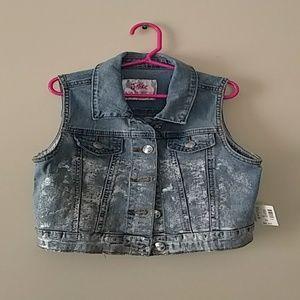 Justice Girls' Sleeveless Jeans Jacket  8/10